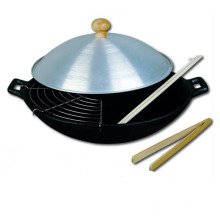 LFGB qualified cast iron wok with 30cm
